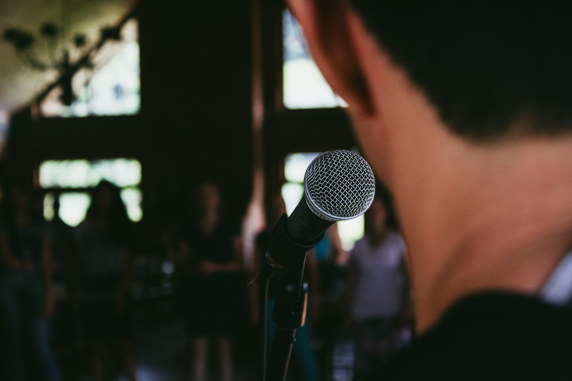 How to Stop Your Voice From Shaking When Public Speaking